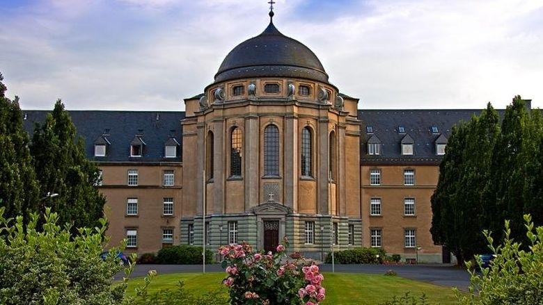 Schlie Ung Der Theologischen Hochschule W Re Sehr